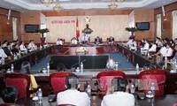 Uông Chu Luu reçoit la délégation des hommes d'affaires exemplaires