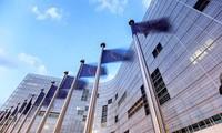 Budget: la Commission Européenne accorde un dernier sursis à la France