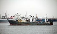 Naufrage d'un bateau sud-coréen: un mort, des dizaines de disparus