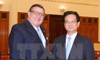 Nguyen Tan Dung reçoit l'ambassadeur chilien sortant