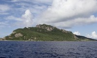 Japon: trois navires chinois dans les eaux territoriales des îles Senkaku