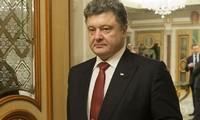 Porochenko : L'Ukraine souscrit entièrement aux accords de Minsk