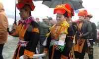 La cérémonie d'accueil de la mariée chez les Dao à Mẫu Sơn