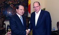 Vu Van Ninh rencontre le PDG d'AIA
