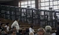 Annulation des peines de mort contre des  Frères musulmans en Egypte