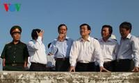 Truong Tan Sang à Ninh Thuan pour parler d'économie maritime et de défense