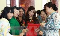 Promouvoir la communication de l'égalité homme-femme au milieu politique