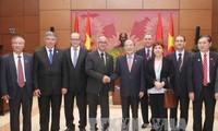 Le président du Chambre des Conseillers du Maroc reçu par Nguyen Sinh Hung