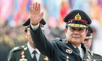 Thaïlande: Levée de la loi martiale
