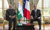 Français et Indiens signent des contrats de plusieurs milliards d'USD