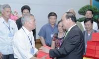 Nguyen Xuan Phuc reçoit des personnes prestigieuses des ethnies de Lang Son