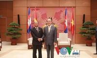 Nguyen Sinh Hung reçu par son homologue cambodgien