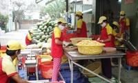 Nguyen Thi Doan reçoit des représentants de foyers commerçants