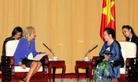 Epouse de Joe Biden reçue par la vice-présidente Nguyen Thi Doan