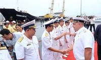 Trois navires militaires russes à Danang
