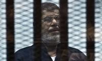 Egypte : les avocats de Mohamed Morsi font appel de ses condamnations à mort