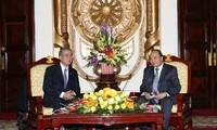 Le gouverneur de Nagasaki en visite au Vietnam