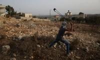 Israël autorise les tirs à balles réelles contre les lanceurs de pierres