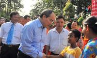 Nguyen Thien Nhan à la Fête d'union nationale à Tra Vinh