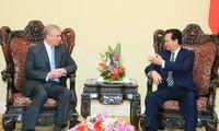 Le Premier ministre Nguyen Tan Dung reçoit le prince Andrew