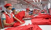 Le Hong Anh rencontre des hommes d'affaires exemplaires