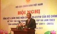 Les anciens combattants suivent l'exemple moral du président Ho Chi Minh