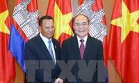 Le président du Sénat cambodgien termine sa visite au Vietnam
