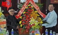 Voeux du 96ème anniversaire de naissance du fondateur de Hoà Hao