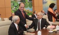 Nguyên Sinh Hùng rencontre des anciens députés