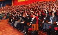 Le peuple vietnamien salue l'élection du CC du PCV