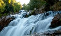 Les impressionantes chutes d'eau de Dalat