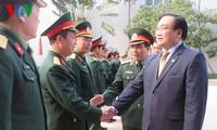 Hoang Trung Hai présente ses vœux aux forces armées hanoiennes