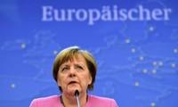 Crise migratoire : pour Merkel, l'UE ne peut pas laisser la Grèce plonger dans le chaos