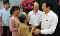 Truong Tan Sang rencontre l'électorat de Ho Chi Minh-ville