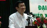 Truong Tan Sang rencontre les électeurs du 4ème arrondissement de Ho Chi Minh-ville