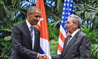 Barack Obama annonce la fin de l'embargo contre Cuba