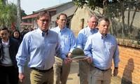 Des anciens combattants américains en visite au Vietnam