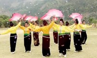 Vũ Hoài  ou la passion pour la danse folklorique