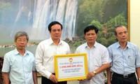 Le Front de la patrie offre un milliard de dongs aux pêcheurs de Thua Thien-Hue