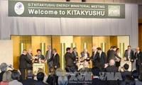 Economie mondiale: Merkel et Abe affichent des divergences avant le G7