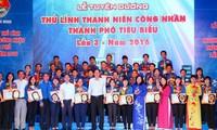 Honorer 40 chefs des jeunes ouvriers de Ho Chi Minh-ville