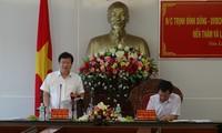 Déplacement du vice-Premier ministre Trinh Dinh Dung à Gia Lai