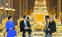 Tran Dai Quang rencontre les dirigeants du Cambodge