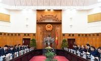 Prak Sokhon reçu par des dirigeants vietnamiens