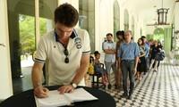 Le Consulat général de France à HCMV ouvre un registre de condoléances