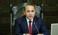 Arménie : Le gouvernement choisit des solutions pacifiques