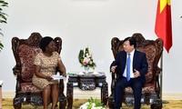 Trinh Dinh Dung reçoit une vice-présidente de la Banque Mondiale