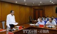 Accélérer la réforme administrative dans les domaines fiscal et douanier