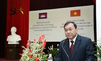 Nguyen Phu Trong reçoit l'ambassadeur cambodgien sortant