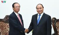 Un ministre cambodgien reçu par Nguyen Xuan Phuc